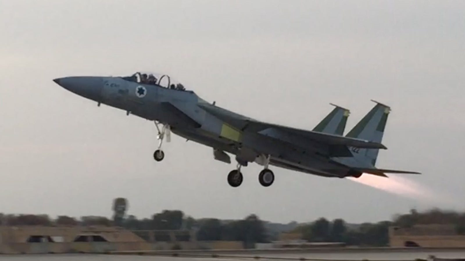 Israel Built A Fighter Jet So Strange That Boeing Thought