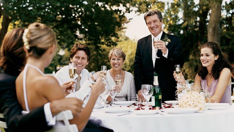 Illustration for article titled Wedding Guest Etiquette Tips