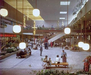 Illustration for article titled The World's First Modern Shopping Mall