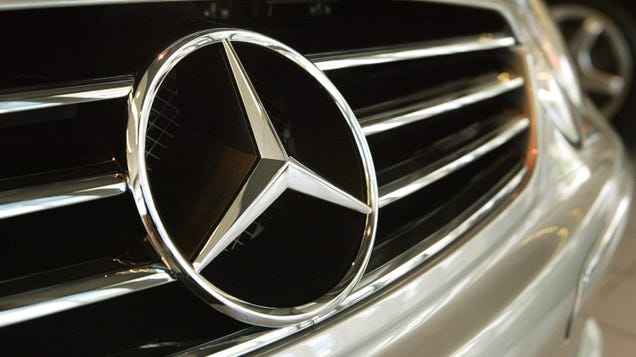 Mercedes-Benz to Recall Nearly 1.3 Million Cars Over Glitch with eCall Emergency Locator