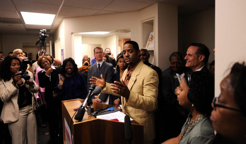 Illustration for article titled Blair Underwood Opens HIV/AIDS Clinic in DC