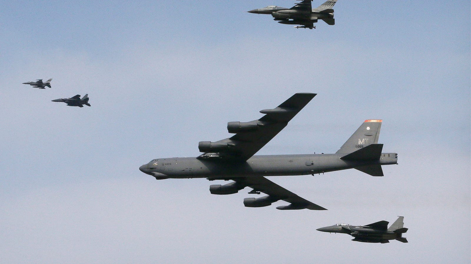 B-52 And Fighters Fly Low Over South Korea, Sending