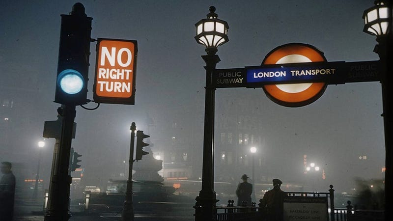 """Illustration for article titled Brooding Photos Of the Deadly """"London Fog"""""""
