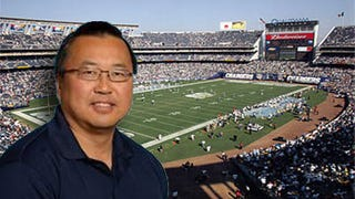 Illustration for article titled The NFLPA Is Finally Telling The Chargers To Replace Malpracticin' David Chao As Their Team Doctor