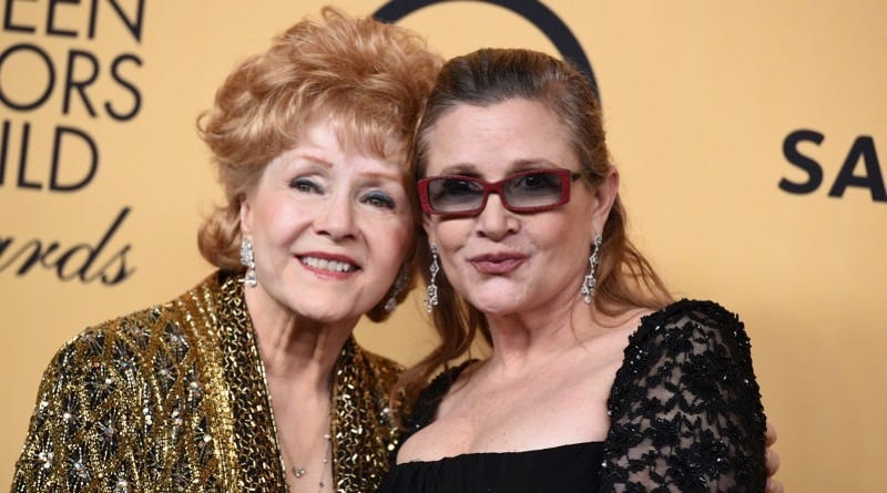 Debbie Reynolds and Carrie Fisher at the 21st annual Screen Actors Guild Awards, Jan. 25, 2015. Image: Jordan Strauss/Invision/AP