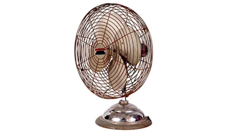Illustration for article titled Oscillating Fan