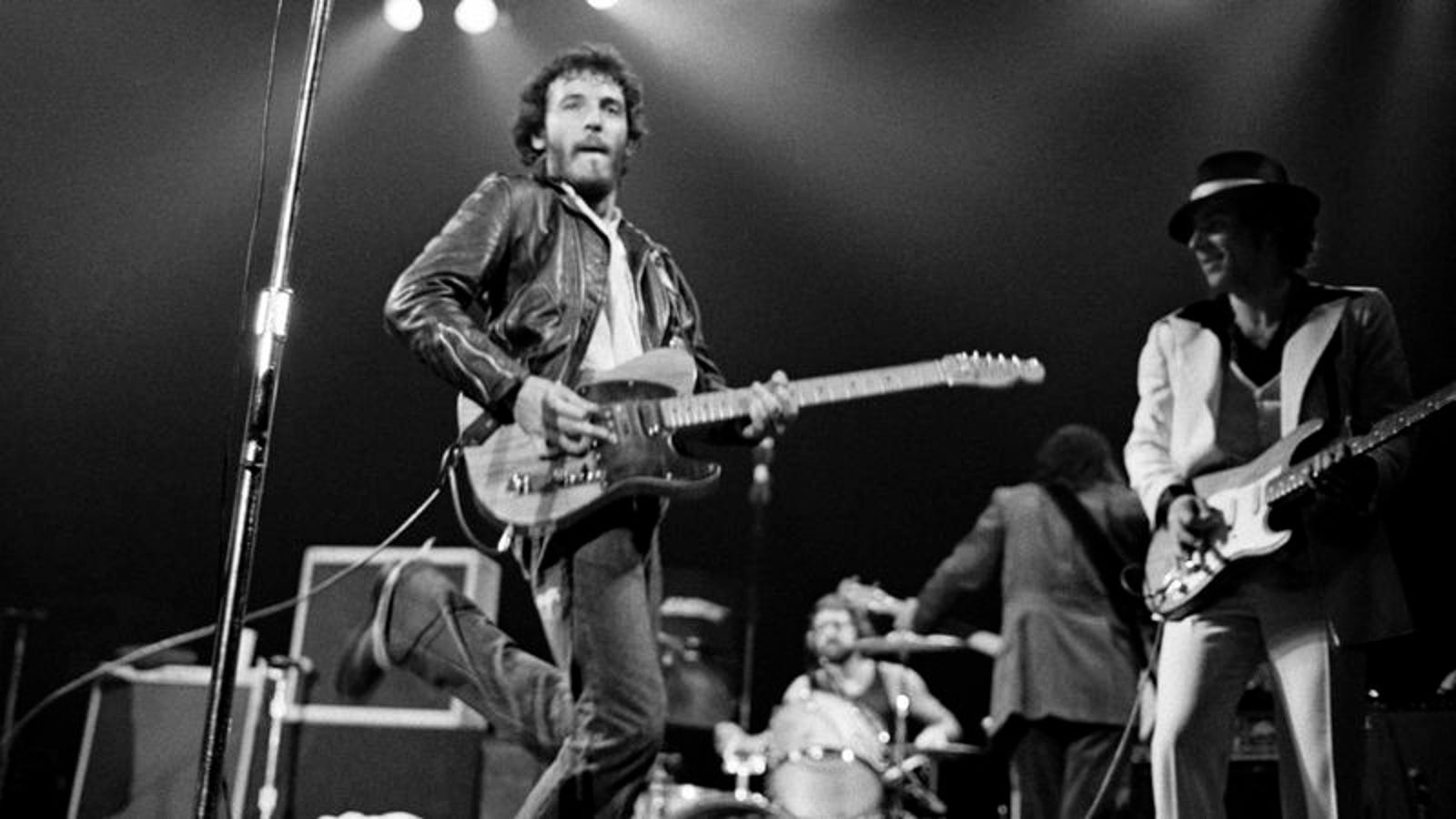 How Well Do You Know The Lyrics To 'Born To Run'?