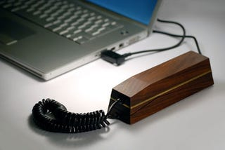 Illustration for article titled Hulger's Maple and Brass Pappa*Phone: Skypin' With Wood