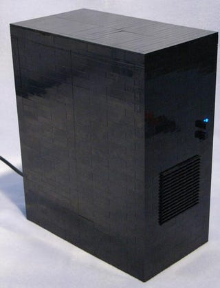 Illustration for article titled Fear and Worship this Monolithic Lego PC
