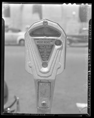 Illustration for article titled 75 Years Ago Today, the First Parking Meter