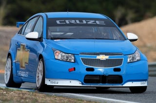 Illustration for article titled Chevy Cruze WTCC Racer Fully Revealed