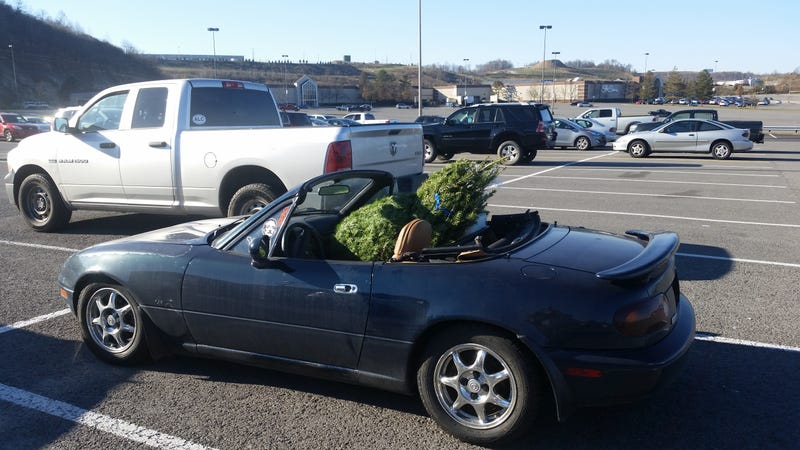 Illustration for article titled The 1994 Mazda Miata: Will it Christmas Tree?