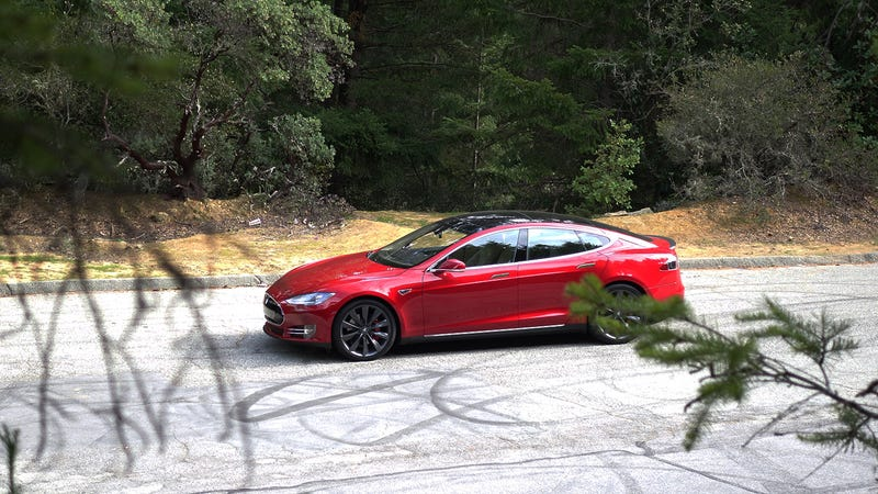 Illustration for article titled What Do You Want To Know About The Tesla Model S P85D?