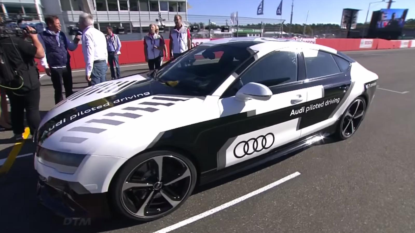 Sin conductor y a 240 km/h: nuevo récord en coches autónomos