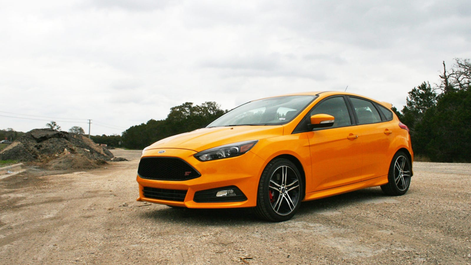 The ford focus st is fun even when you have a mclaren in for Garage ford denney 90