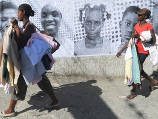 Homage to quake victims outside Port-au-Prince (Thony Belizaire AFP/Getty Images)