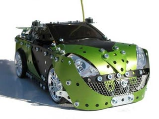 Illustration for article titled Meccano RC Car with Integrated Sound System (Verdict: Absolutely Badass)