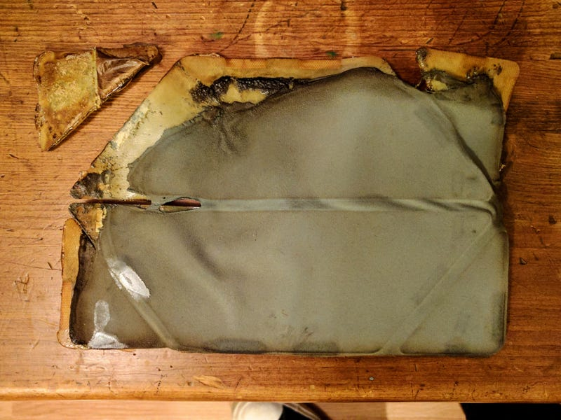 Illustration for article titled PSA: Don't Bake Your Tablet Cover