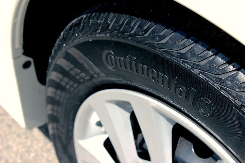 Illustration for article titled Por qué nunca deberías comprar los neumáticos más baratos o económicos para tu automóvil