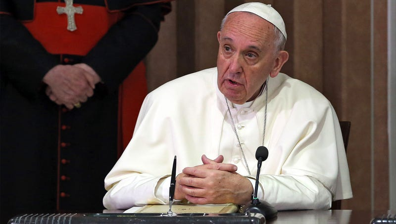 Illustration for article titled Pope Francis Admits God Really Starting To Look Old
