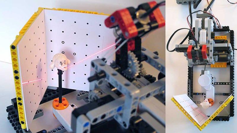 Illustration for article titled Lego Laser 3D Scanner Scans Lego Pieces to Make More Lego