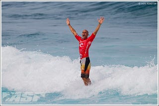 Illustration for article titled All Record-Breaking Surfer Kelly Slater Needs Are Some Tasty Waves And He's Fine