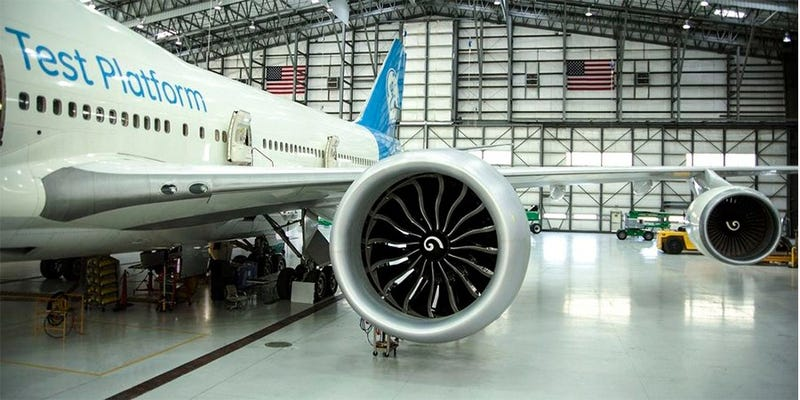 The GE9X mounted on a Boeing 747 test bed (via AirlinerWatch)