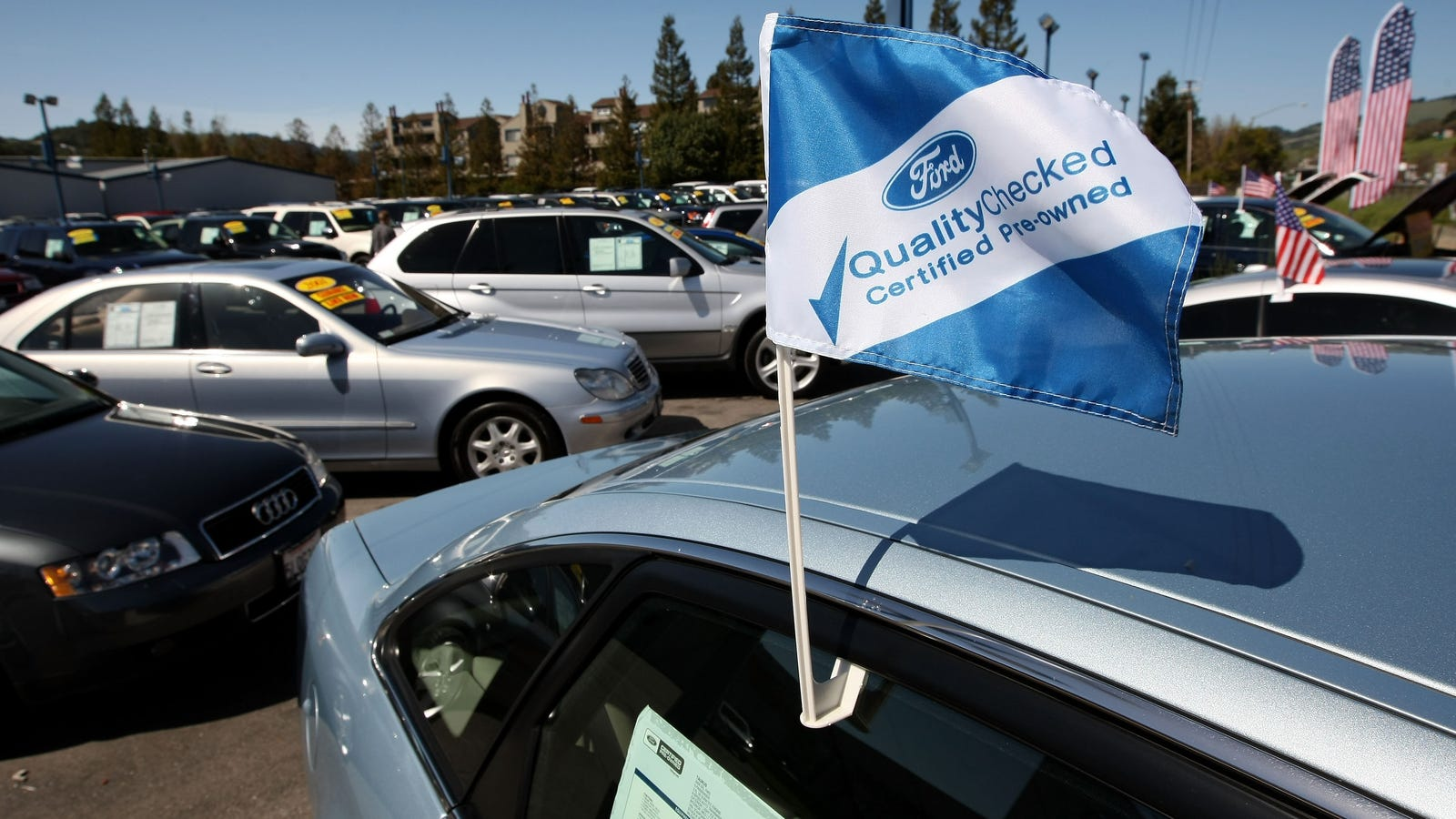 When It\'s Really Worth It To Buy A Certified Pre-Owned Car