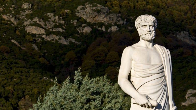 Estatua de Aristóteles en Estagira, lugar de nacimiento del filósofo y donde han encontrado su supuesta tumba. Panos Karas / Shutterstock