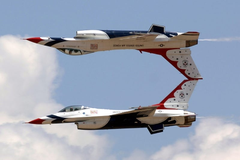 Illustration for article titled USAF Thunderbirds Are GO!