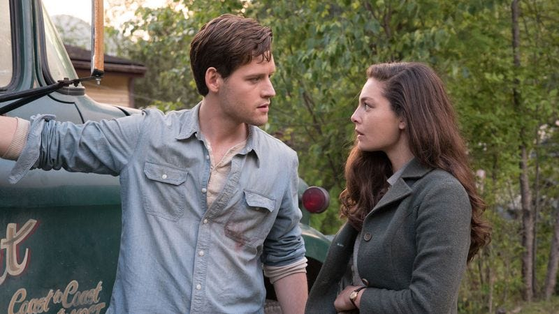 Luke Kleintank, Alexa Davalos/Amazon