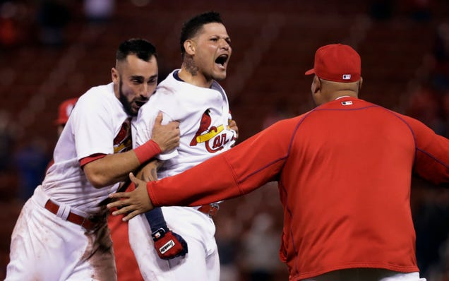 The Cardinals Got A Win They Didn't Deserve Because The Reds Co…