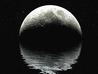 Illustration for article titled Official: There's Water on the Moon