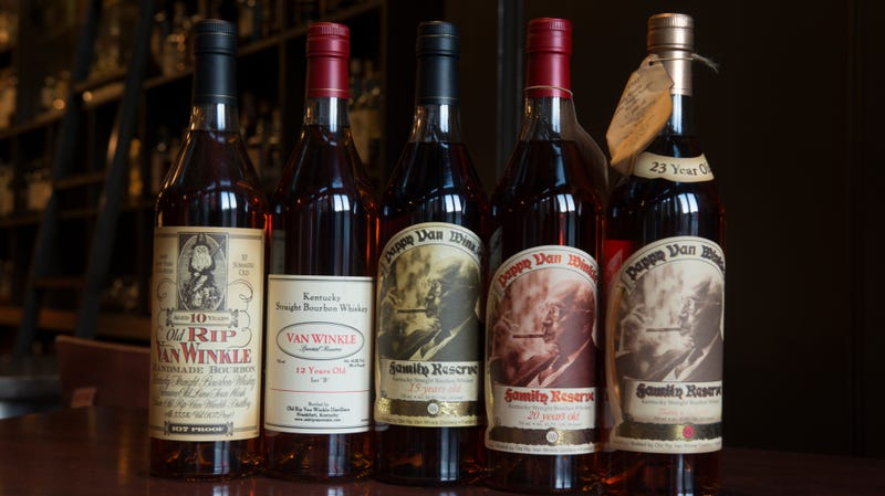 Illustration for article titled Kentucky bar kindly (and cannily) decides to sell Pappy Van Winkle at cost