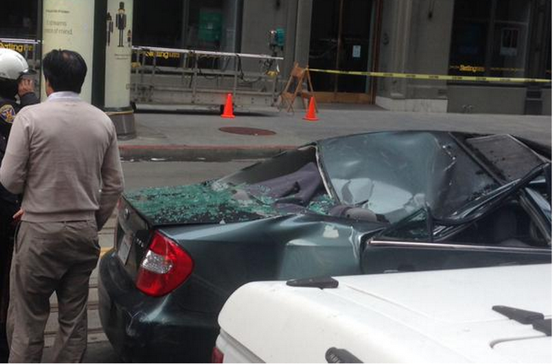 Illustration for article titled Window Washer falls 11 stories onto moving car, survives