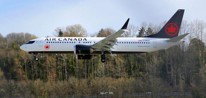 Esta mujer se quedó dormida en un vuelo de Air Canadá. Cuando despertó estaba sola en el avión