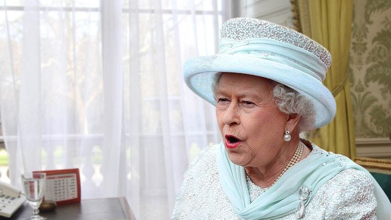Illustration for article titled Queen Elizabeth Screaming At Stockbroker To Dump Everything