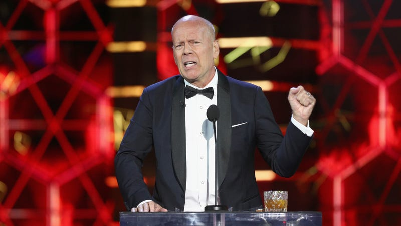 Illustration for article titled Bruce Willis officially declares that Die Hard is not a Christmas movie