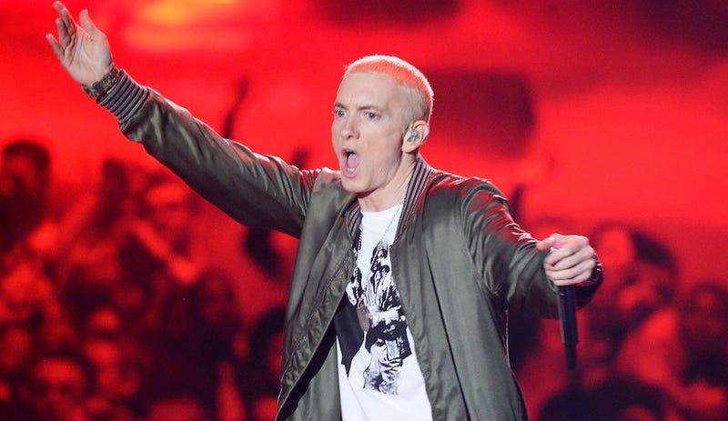 Illustration for article titled Chief Justice: Are Internet Death Threats Kinda Like Eminem Lyrics?