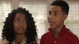 Zoey (Yara Shahidi) and Junior (Marcus Scribner) onABC's Black-ishABC Studios