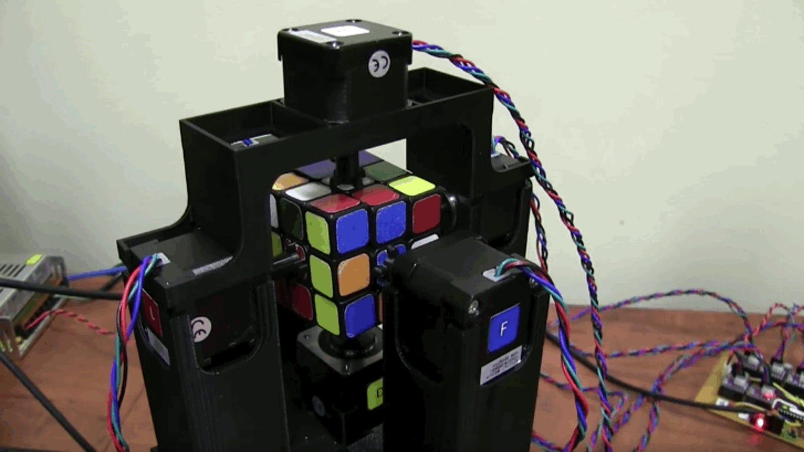 Parpadea y te perderás cómo este robot resuelve el cubo de Rubik en un segundo