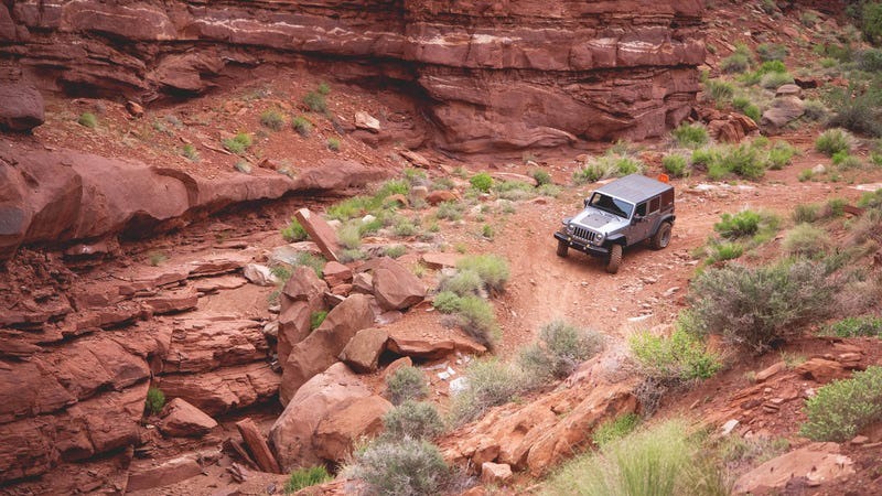 What You Need To Know Before Driving Off Road