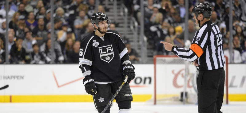 Illustration for article titled Slava Voynov, In Immigration Custody, Says He Will Voluntarily Return To Russia