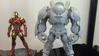 Illustration for article titled Sentinel's Stylish Hulkbuster Toy Is Way Sleeker Than Age Of Ultron's