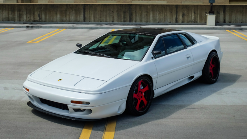 Illustration for article titled Relive Your 90s Sports Car Fantasies With This Modified Lotus Esprit S4
