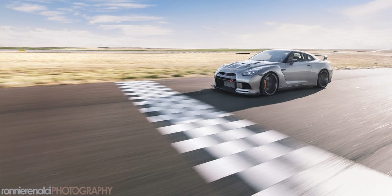 Illustration for article titled Your Ridiculously Cool Switzer 'Cornzilla' GT-R Wallpaper Is Here