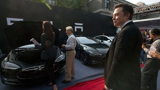 Illustration for article titled Tesla Sold Just 120 Cars In China Last Month And Elon Musk Is Pissed
