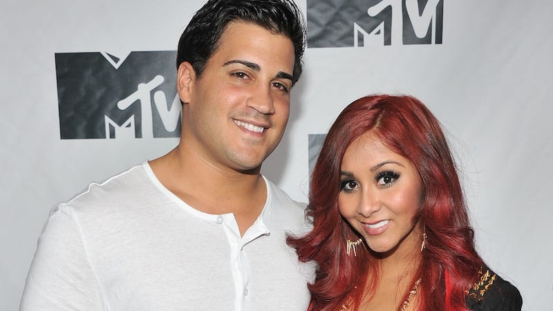 Illustration for article titled Snooki Makes Dig at Anna Duggar, Ignores Husband's Own Ashley Madison Account