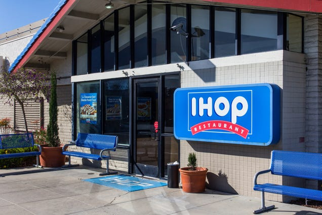 Illustration for article titled IHOP Customer Called the N-Word on Receipt Receives $10 Gift Card as Apology