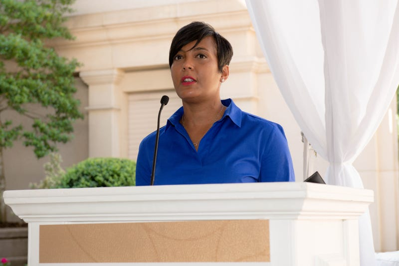 Illustration for article titled Atlanta Mayor Keisha Lance Bottoms Endorses Joe Biden for President